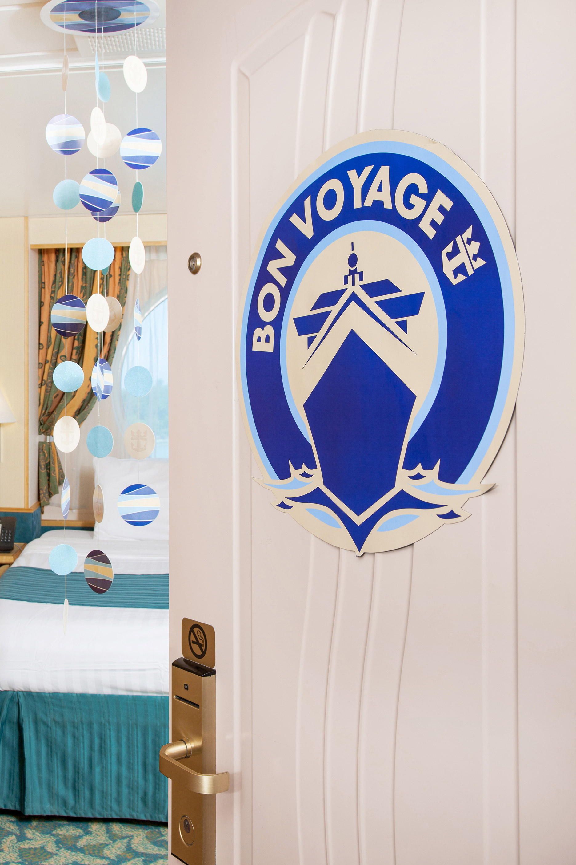 Bon voyage adult champagne package for Sejour design decoration