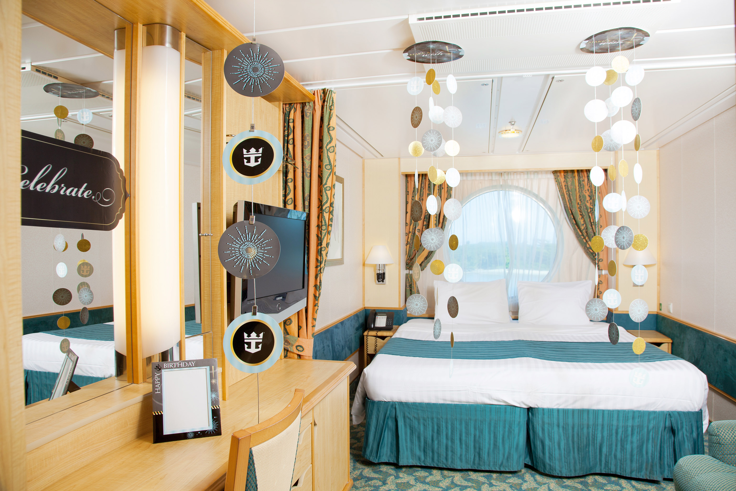 Happy birthday paisley room d cor package for Rooms to go tv package 2015