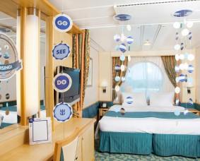 Bon Voyage Room Decor