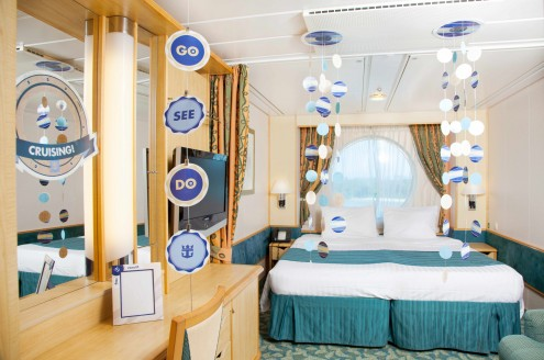 Bon Voyage Room Decor