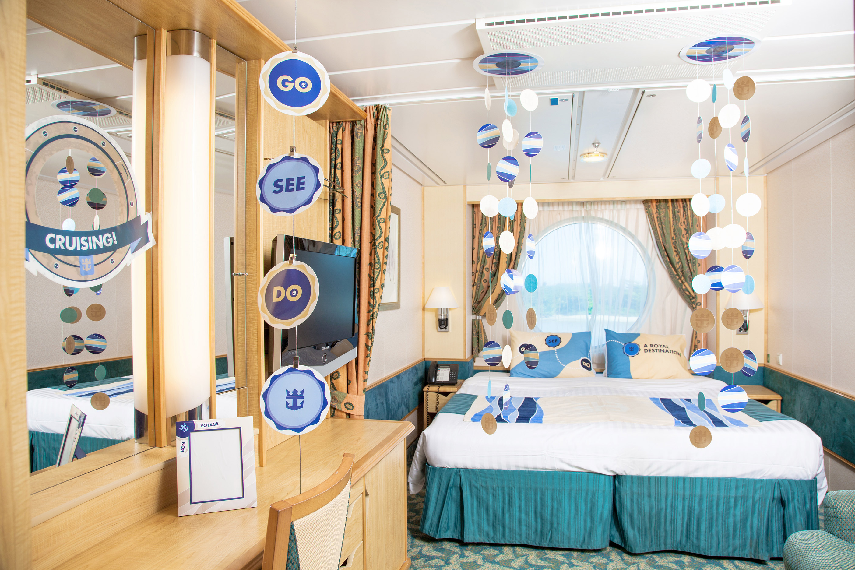 Bon voyage room d cor deluxe for Sejour design decoration